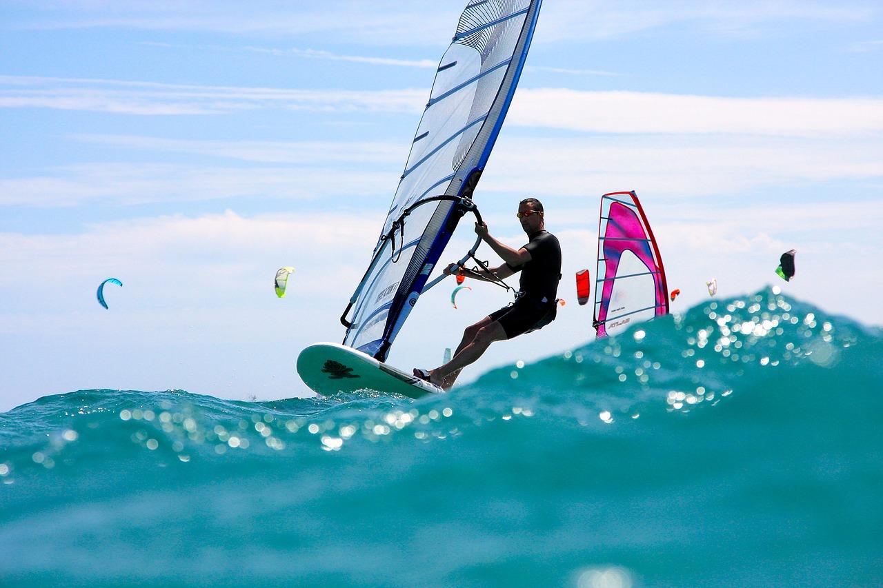 windsurfing-3045927_1280